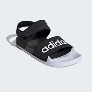 Adidas Womans Sandals Size 6 NEW WITH TAGS